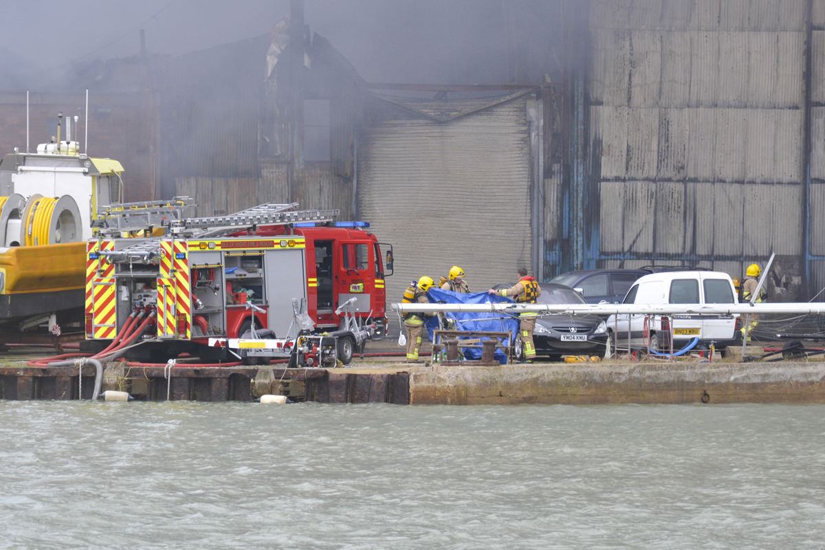 20160125 STP_5467 Cowes Boat Yard Fire