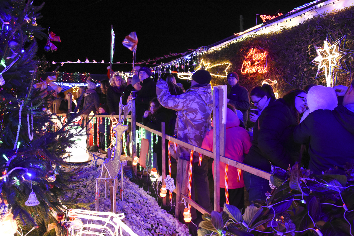 20161203_stp_3948-long-lane-newport-christmas-lights-2016
