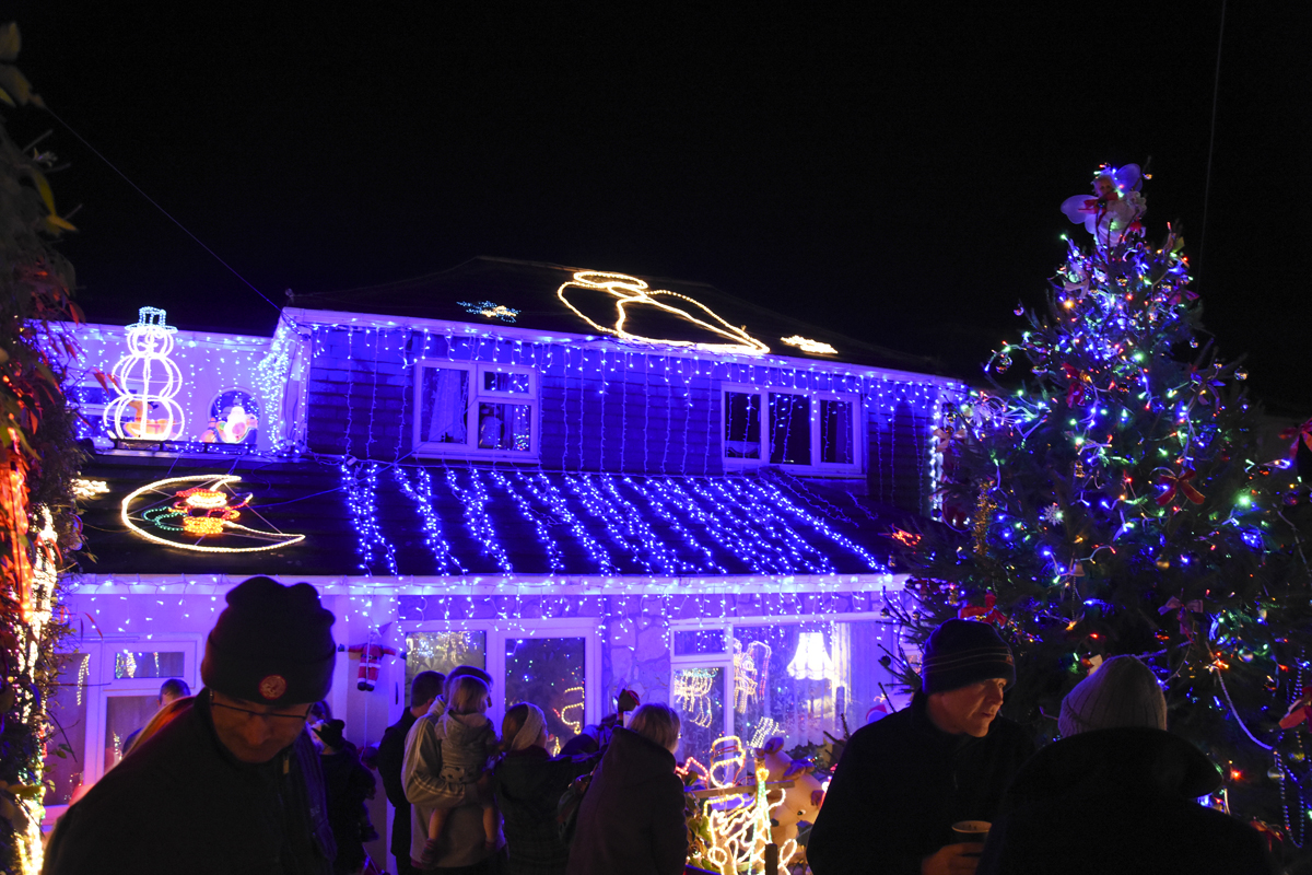 20161203_stp_3957-long-lane-newport-christmas-lights-2016