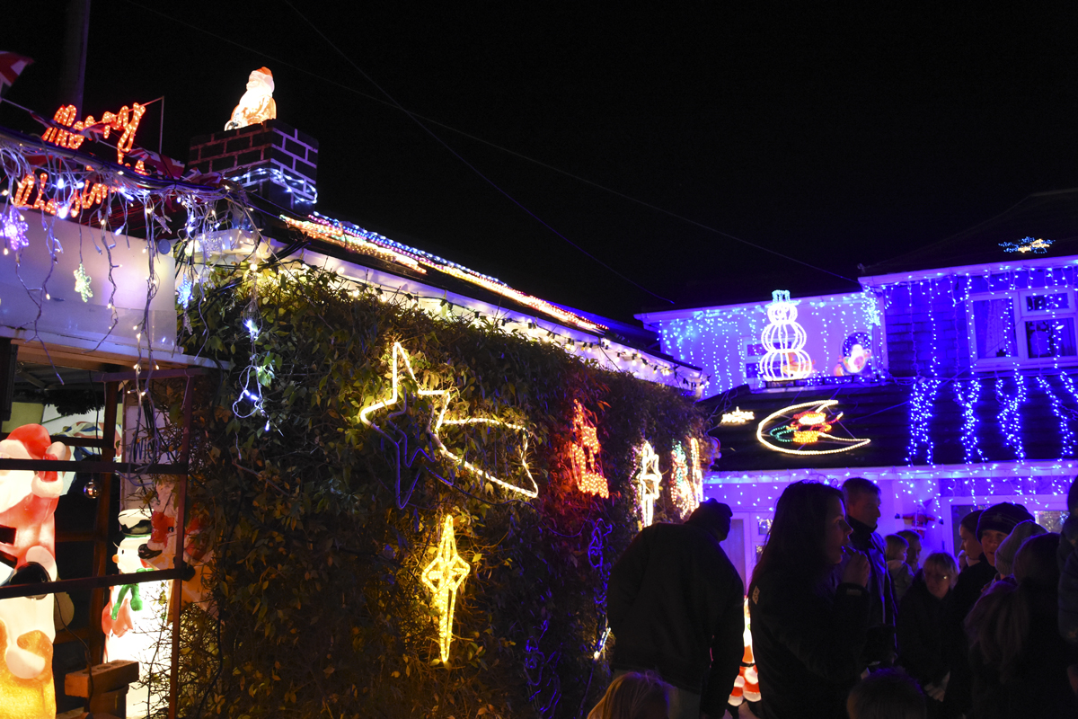 20161203_stp_3958-long-lane-newport-christmas-lights-2016