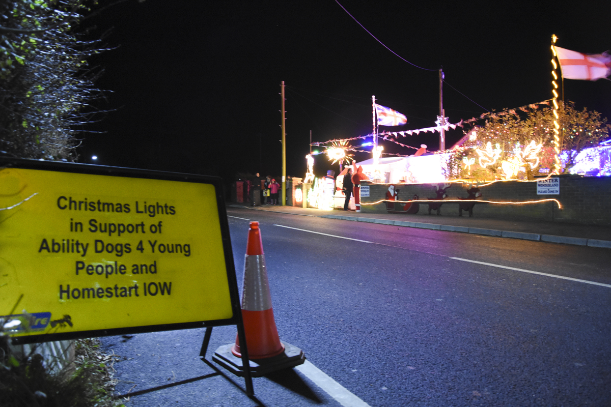 20161203_stp_4003-long-lane-newport-christmas-lights-2016