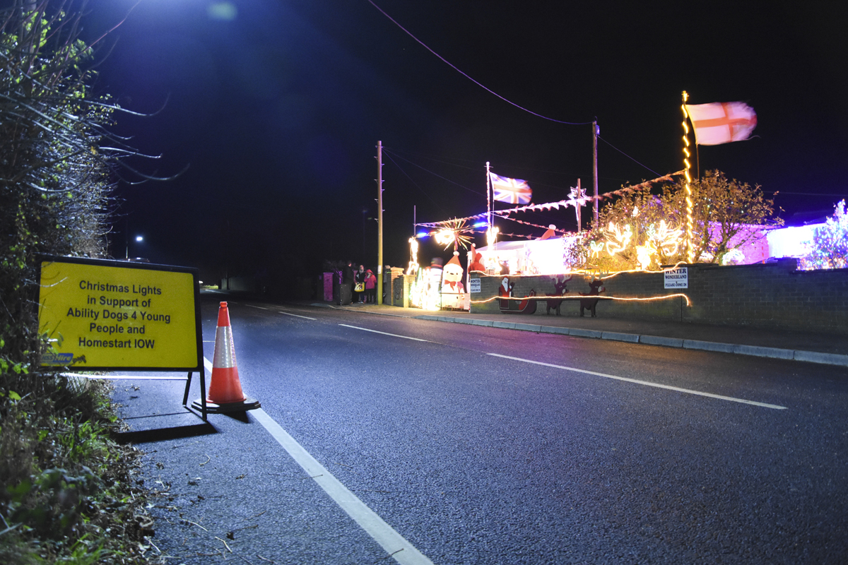 20161203_stp_4008-long-lane-newport-christmas-lights-2016