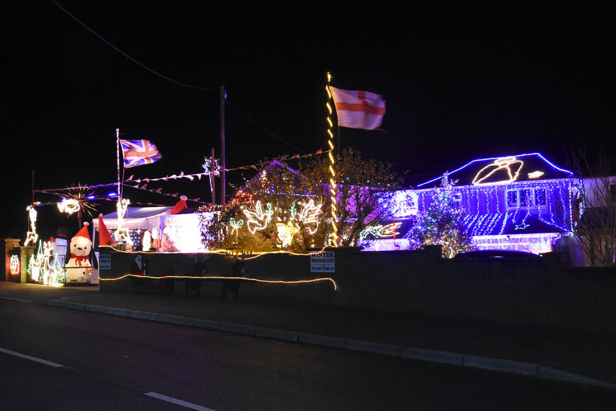 20161203_stp_4018-long-lane-newport-christmas-lights-2016